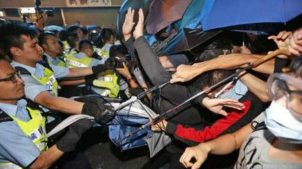 Polisi Hong Kong Mulai Ofensif, 200 Aktivis Diciduk. Foto BBC