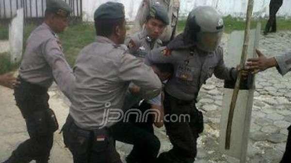 Polisi brutal