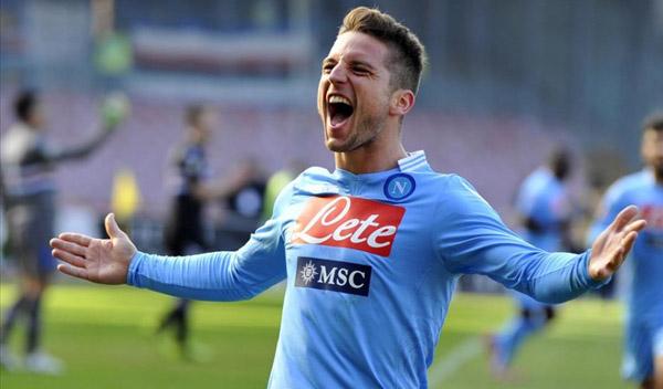 Dries Mertens sukses memberikan satu gol untuk Napoli lewat tendangan penalti