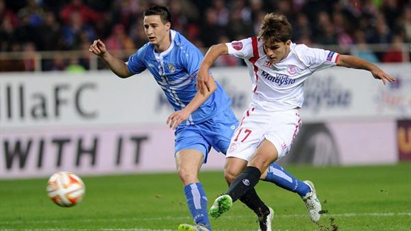 Denis Suarez (kanan) mencetak gol tunggal Sevilla saat mengalahkan Rijeka. Foto: uefa