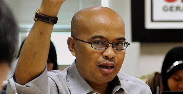Desmond J Mahesa
