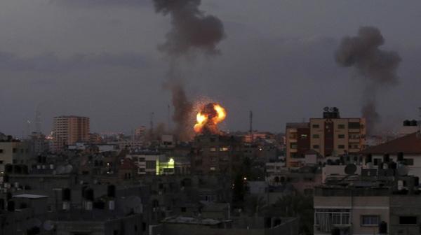 Israel Bombardir Militer Hamas