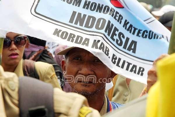 Massa honorer K2 saat menggelar aksi di Jakarta, beberapa waktu lalu. Foto: dok.JPNN
