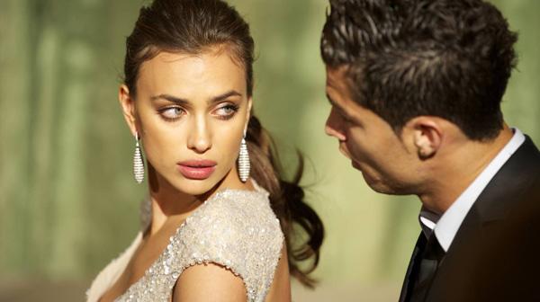 Irina Shayk bersama Cristiano Ronaldo. Getty Images