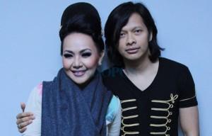 Armand Maulana dan Dewi Gita. Foto: Indopos/dok.JPNN