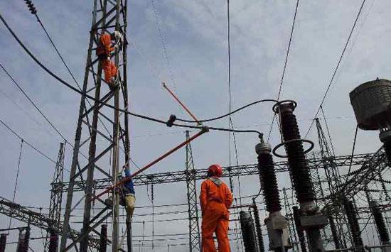 Upah dan listrik jadi pikiran pengusaha