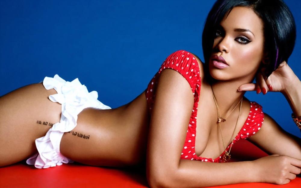 9 Rihanna