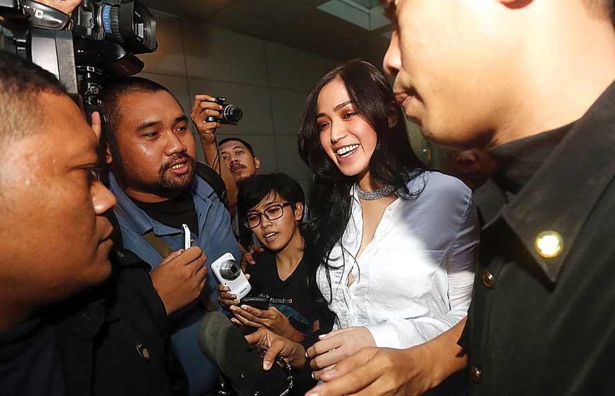 Jessica Iskandar Tantang Ludwig Tes DNA. Foto JPNN.com