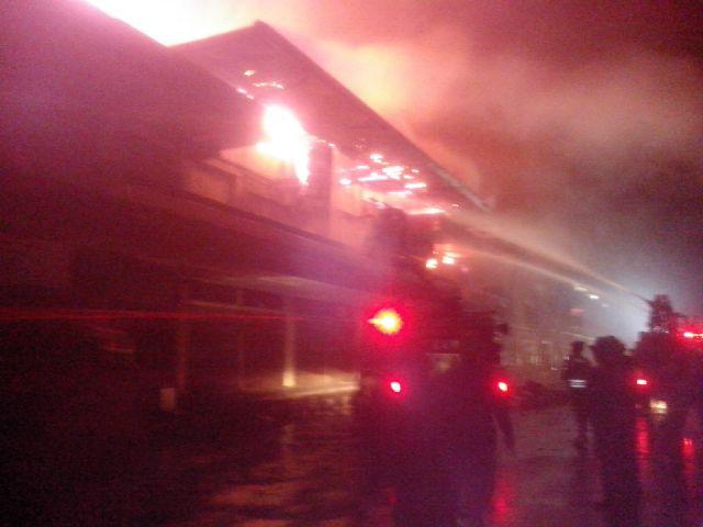 kantor terbakar
