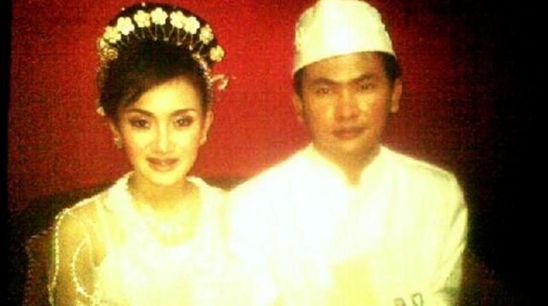 Bukti foto pernikahan Cita Citata dan Galih Purnama