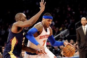 Shooting guard Knicks, Carmelo Anthony (kanan) mencoba melakukan penetrasi ke ke hole Pelicans. Foto: wsj.com