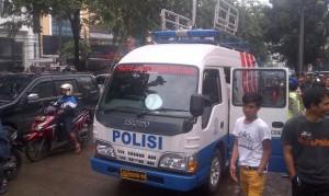 Mobil TAA yang diterjukan di lokasi kecelakaan maut di kawasan Arteri Pondok Indah, Jakarta Selatan. FOTO: boy/jpnn
