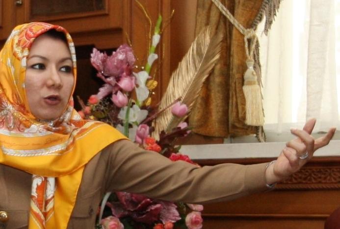 Rita Widyasari ditangkap, kpk tangkap bupati kutai kartanegara, penangkapan bupati cantik