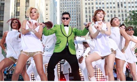 Psy Gangnam Style menari bersama gadis Korea Selatan