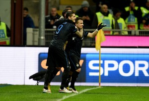 Icardi dan Shaqiri, pencetak gol kemenangan Inter atas Sampdoria, Kamis (22/1) dinihari tadi. foto: inter.it