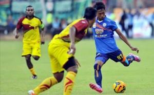 Pertandingan Arema lawan Sriwijaya FC di Final SCM Cup 2015, Selasa (27/1) malam tadi.