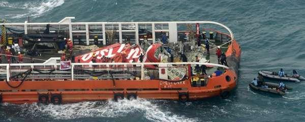 Ekor AirAsia dievakuasi ke Pangkalan Bun