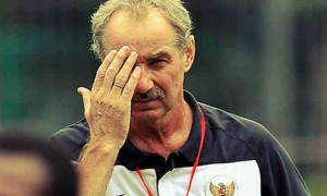 Pelatih PSM Makassar, Alfred Riedl.