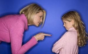 Ilustrasi ibu memarahi anaknya
