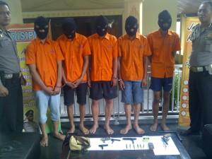 Lima spesialis pencuri motor diringkus anggota Polsek Bogor Utara. Foto Rishaq/Pojoksatu.id