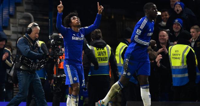 Willian melakukan selebrasi usai membobol gawang Everton, di Stamford Bridge, Kamis (12/2) dinihari tadi.
