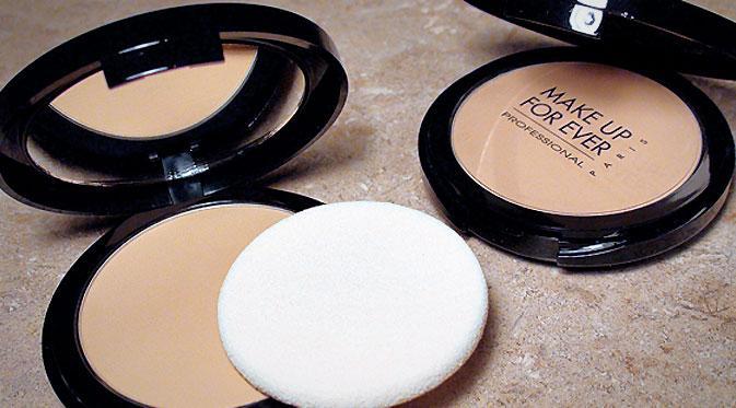 YSL hadir merilis produk yang membuat kulit halus seperti menggunakan efek filter pada kamera ponsel.
