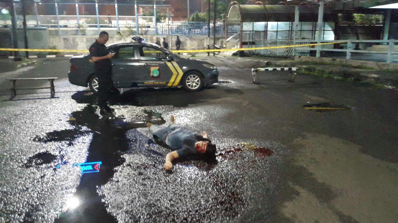 Pelaku penusukan brimob ditembak polisi hingga tewas