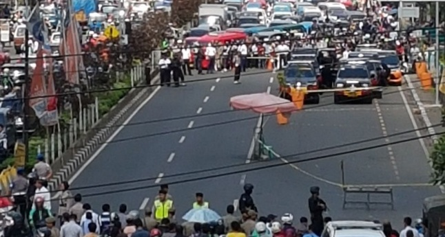 Kawasan ITC Depok diamankan karena diduga ada bom