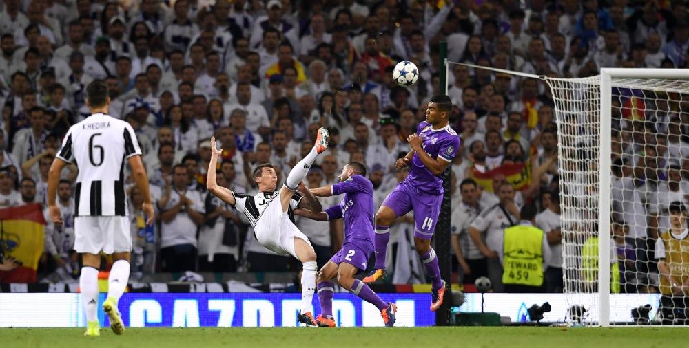 Gol terbaik pilihan UEFA - Mandzukic (Juventus) (ustoday.com)