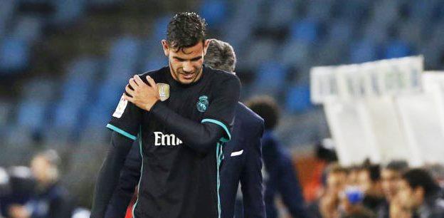 CIDERA - Bek kiri Real Madrid Theo Hernandez mengalami cidera bahu kanan. (marca.com)