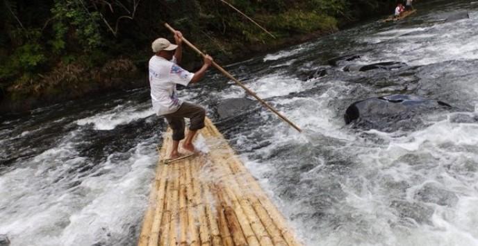 Festival Loksado 2017 di Kabupaten Hulu Sungai Selatan, Kalimantan Selatan, 15-17 Desember 2017 bakal memanjakan Anda sebagai pecinta olahraga air. (sumber foto : lampungpro.com)