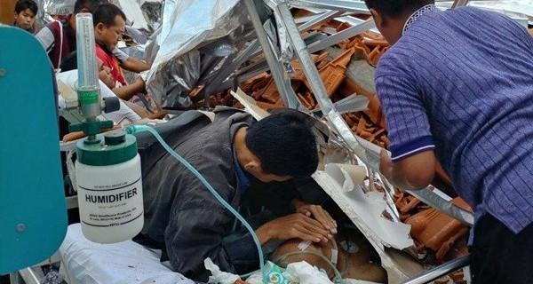 Pasien RSAL dr Ramelan Surabaya tertimpa atap bangunan yang ambruk