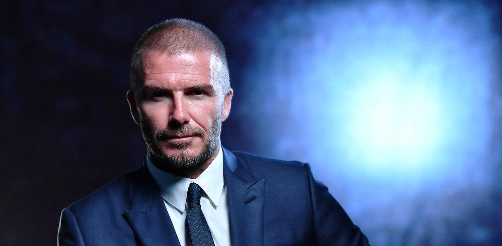 David Beckham menerima Penghargaan Presiden UEFA tahun 2018 (@uefa/twitter)