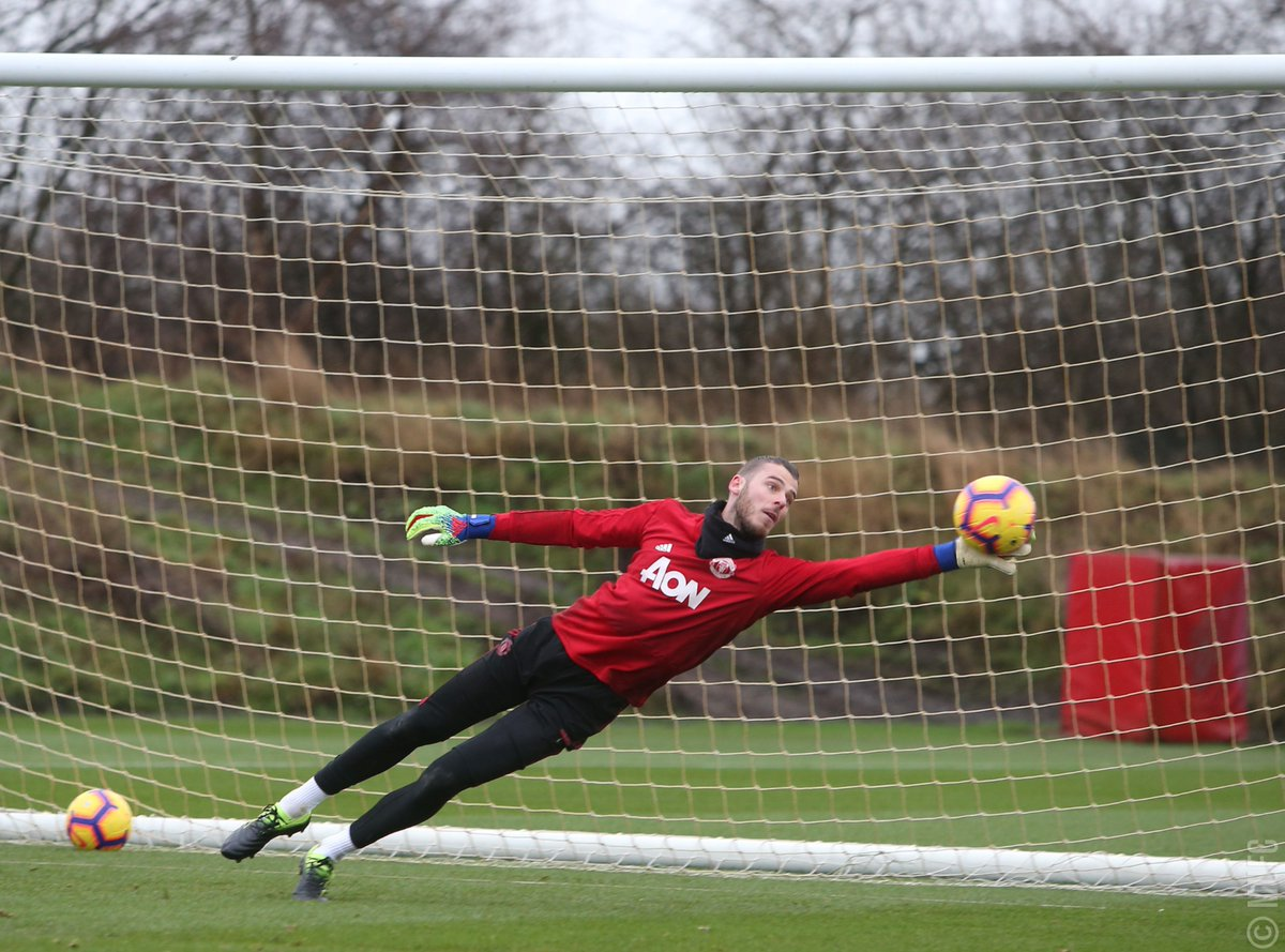 Kiper Manchester United, David De Gea dalam sesi latihan jelang laga kontra Brighton & Hove Albion di pekan 23 (@manutd/twitter)