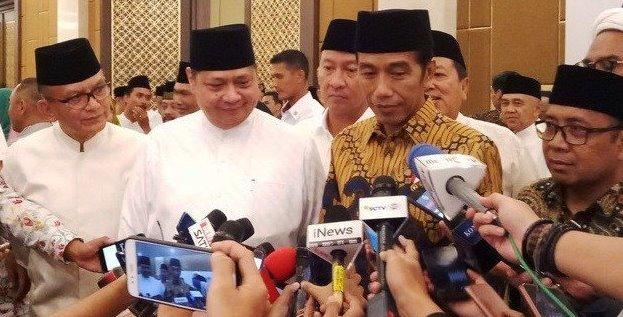 Presiden Jokowi usai buka puasa bersama dengan Elite Partai Golkar di Ballroom Hotel Sultan, Jakarta, Minggu (19//2019).