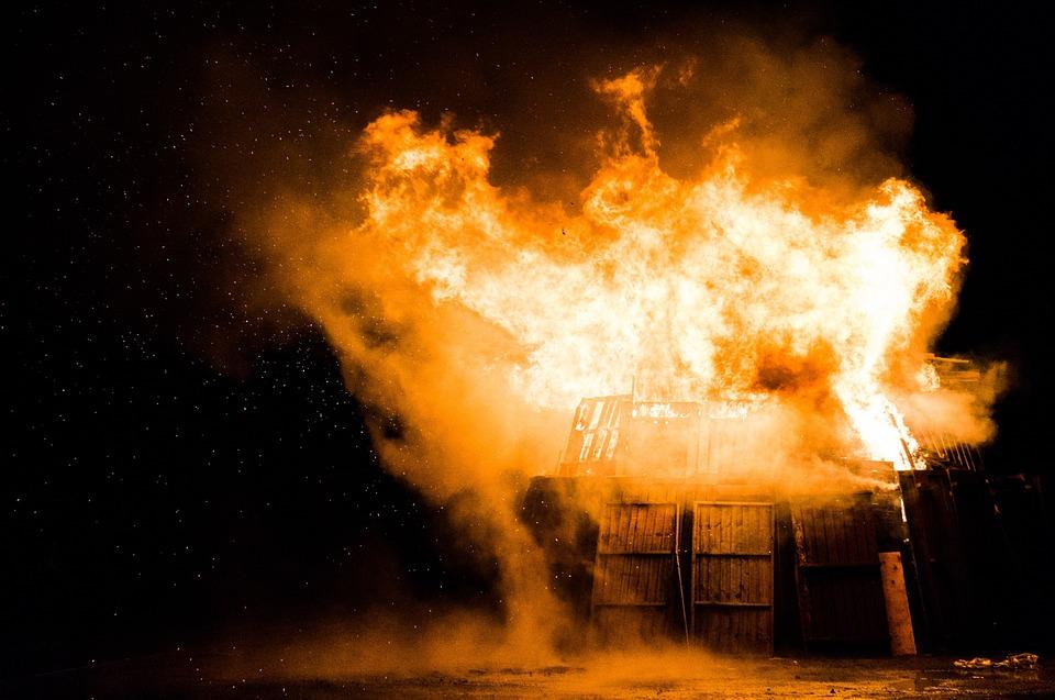 pasar kambing terbakar