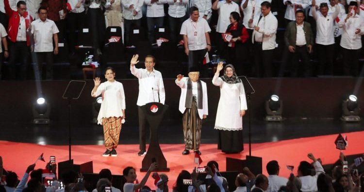 Jokowi-KH Ma'ruf Amin dalam 'Visi Indonesia' di SICC, Sentul, Bogor, Jawa Barat, Minggu (14/7/2019)