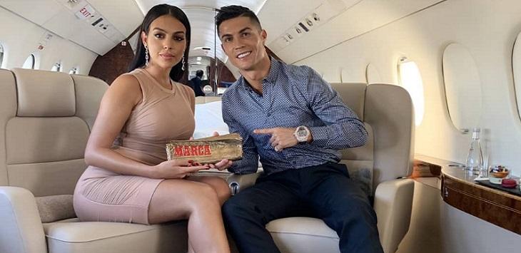 Bintang Juventus, Cristiano Ronaldo bersama kekasihnya Georgina Rodriguez.