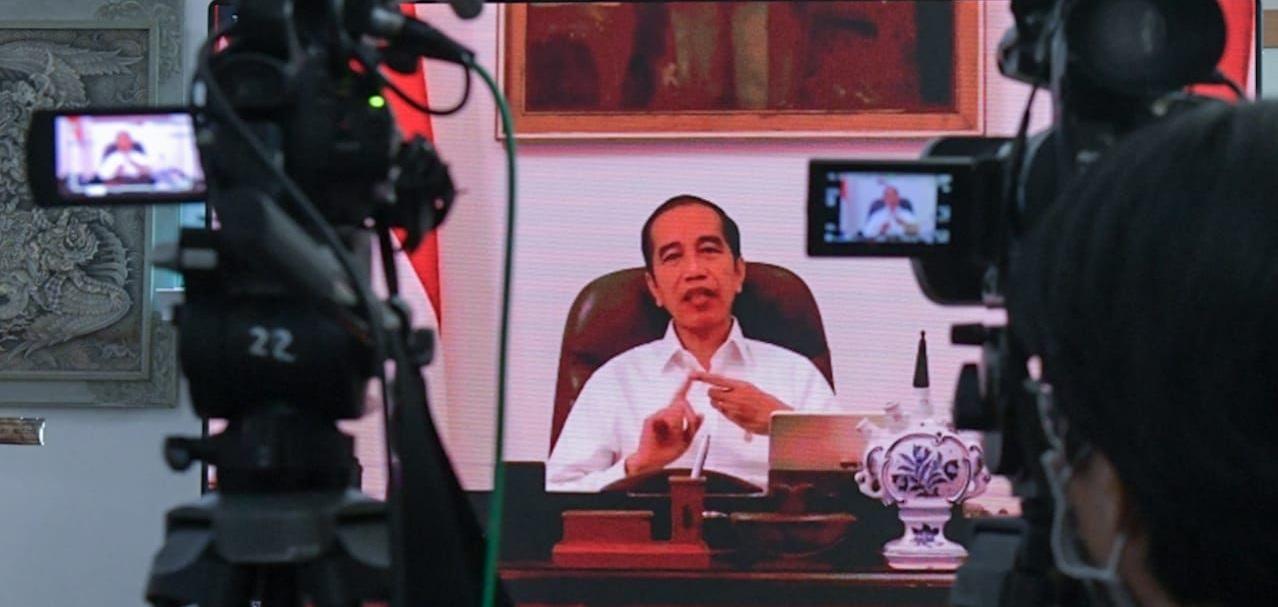 Presiden Jokowi memimpin rapat terbatas melalui daring, Selasa (24/3/2020). Foto Setkab