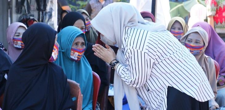 Fatmawati Rusdi sebagai kandidat perempuan di Pilkada Makassar