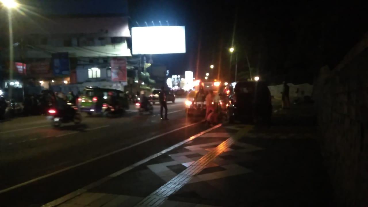 Mobil habib yang hendak pulang ke Empang alami kecelakaan di Jalan Otista Kota Bogor (adi)