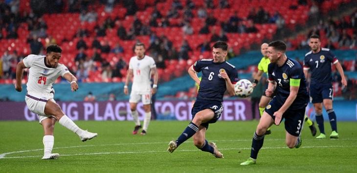 Pertandingan Inggris lawan SKotlandia di Stadion Wembley, London, Sabtu (19/6/2021) dini hari WIB. ft/Twitter @EURO2020