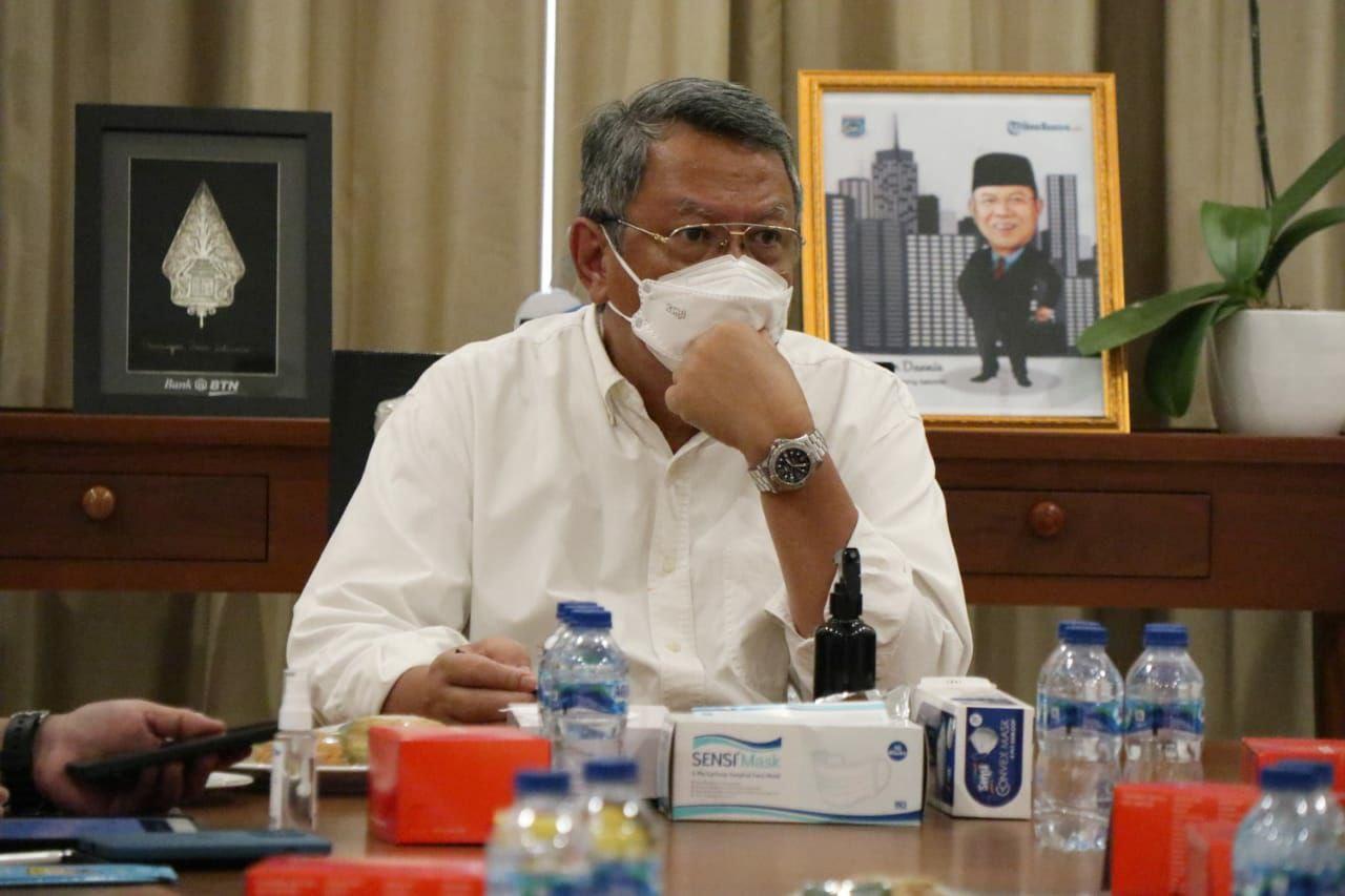 Wali Kota Tangerang Selatan, Benyamin Davnie