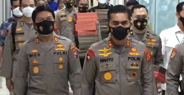 Irjen Wahyu Widada memimpin tim menyerahkan naskah makalah Listyo Sigit Prabowo ke Komisi III DPR RI untuk menjalani fit and proper test sebagai calon Kapolri pada Januari 2021 lalu