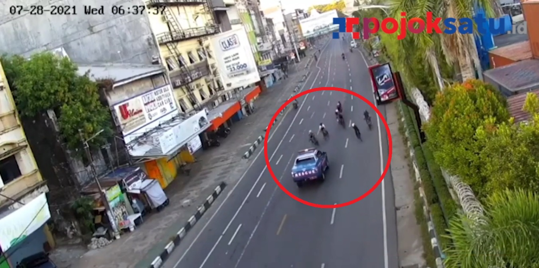 Video viral mobil Rescue Kemensos RI tabrak pesepeda di Kota Makassar