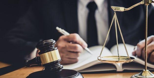 ilustrasi advokat atau pengacara