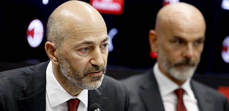 CEO AC Milan, Ivan Gazidis (kiri).