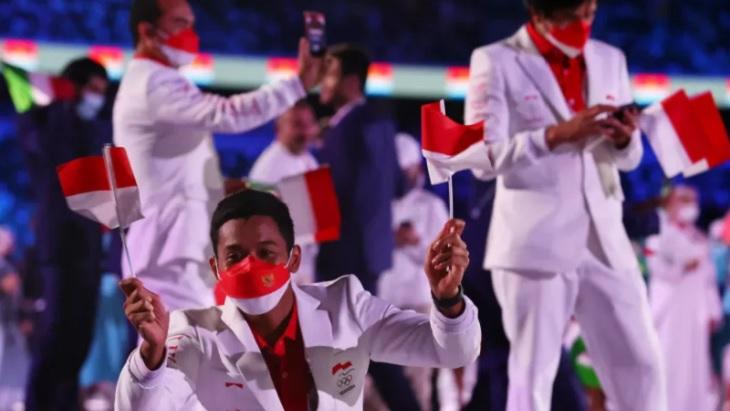 Kontingen Indonesia di acara pembukaan Olimpiade Tokyo 2020, di StadionOlimpiade Tokyo, Jepang, Jumat (23/7/2021) malam WIB. Ft/dari laman Antaranews.com