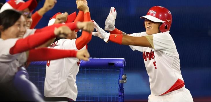 Jepang menambah medali emas dari cabor Softball putri setelah mengalahkan Amerika Serikat di final, Selasa (27/7/2021). Ft/ dari laman Olympics.com