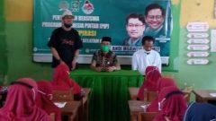 85 Murid SDN Rammang-Rammang Terima Beasiswa PIP dari Andi Muawiyah Ramly